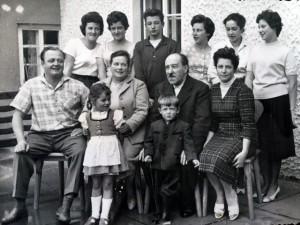 Hermann und Amalia Daniel mit Kinder und Enkelkinder sowie Schwiegersohn Wilhelm Egger